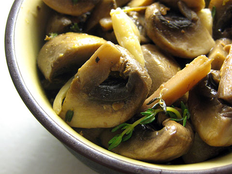 Marinated Mushrooms with Lemon and Oregano