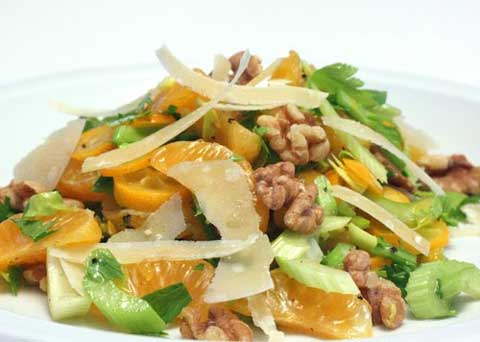 http://lisaiscooking.blogspot.com/2010/01/clemenquat-salad-with-walnuts-and.html